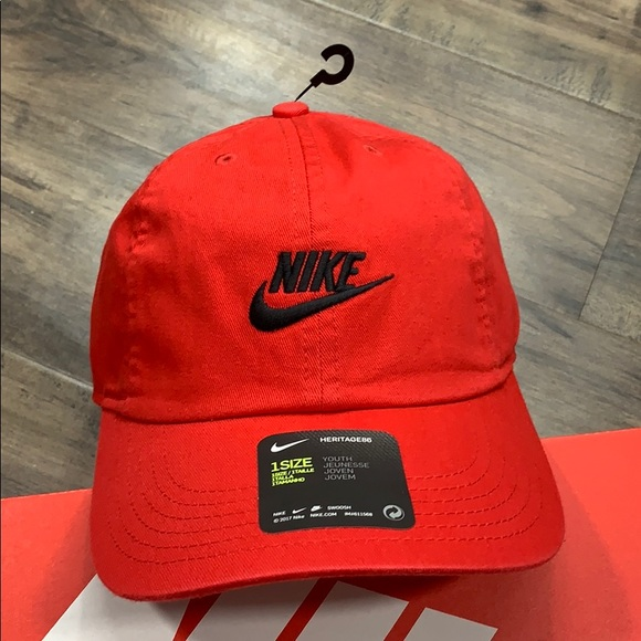 Nike Accessories - NIKE CAP HERITAGE86 youth 1 size red/black